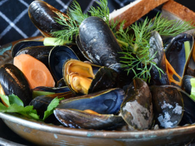 Spinach and Mussel Pot